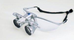 双眼ルーペ EyeMag Smart/EyaMag PROの写真